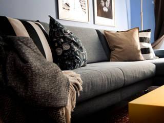 REFORMA DUPLEX Salones de estilo moderno de YAIZA CARRASCO INTERIOR DESING Moderno