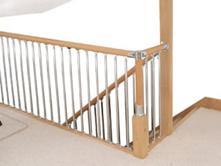 Fusion stair parts with oak and chrome parts Wonkee Donkee XL Joinery Couloir, entrée, escaliers modernes