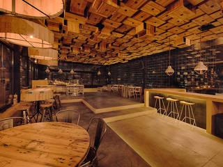 Martínez Arquitectura Sala da pranzo minimalista