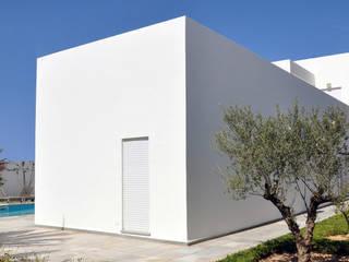 Villa R B.A-Studio Villas