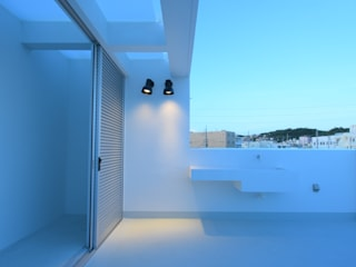 Si邸: アイ・エイチ・エー設計が手掛けた浴室です。,モダン