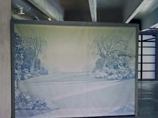 Giardino a grisaille: Sala da pranzo in stile  di francescabruni