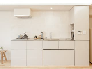 C邸-奥行き50センチのキッチン の 株式会社ブルースタジオ