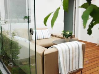 Ein gemütlicher Sommergarten inmitten der Natur Schmidinger Wintergärten, Fenster & Verglasungen Moderner Wintergarten Glas Grau