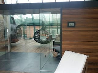 Sauna Best Line z prysznicem Sauna Line Sp. z o.o. Nowoczesne spa