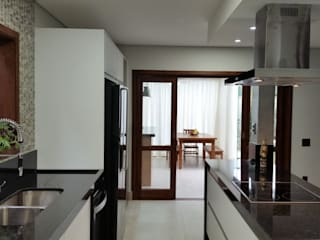 Kitchen units by StudioCS Arquitetura, Modern