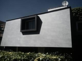 Casa Interlomas: Casas de estilo  por GRUPO QVICK