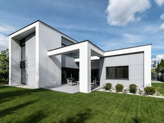 Dom jednorodziny Poznań: styl , w kategorii Domy zaprojektowany przez Offa Studio,Nowoczesny