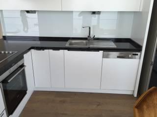 WOOD & ART MOBİLYA TASARIM UYGULAMA – Altınoluk özel mutfak dolabı ve gardolap tasarım ve imalatı: modern tarz , Modern