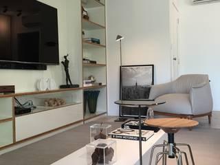 branco arquitetura Ruang Keluarga Modern