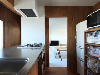 の ざ き 設 計 Cocinas de estilo minimalista