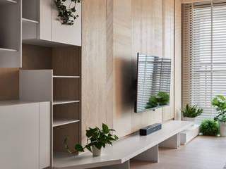 Moderne Wohnzimmer von 思維空間設計 Modern