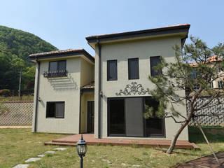 양평 정배리 쌍둥이주택 (42py): 한다움건설의  목조 주택