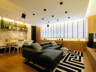 Design & Build Project: Resale HDB Apt @ Serangoon Ave 3 Scandinavian style living room by erstudio Pte Ltd Scandinavian