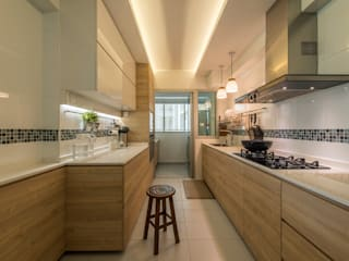Design & Build: New HDB @ Sumang Link (Eclectic):  Kitchen by erstudio Pte Ltd