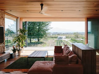 *studio LOOP 建築設計事務所 Salones de estilo moderno