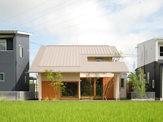 Eclectic style houses by 神谷建築スタジオ Eclectic