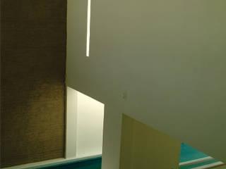 CASA MUVA: Casas ecológicas de estilo  por AMAESTUDIO ARQUITECTURA
