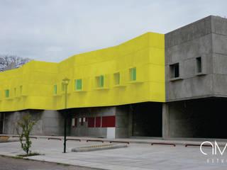 CROWD INTERACTIVE: Edificios de Oficinas de estilo  por AMAESTUDIO ARQUITECTURA