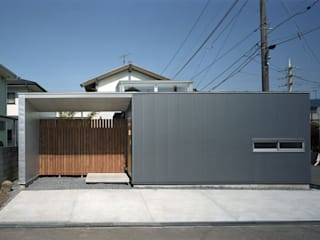 東船橋の家 Courtyard house in Funabashi,Chiba モダンな 家 の 株式会社 神成建築計画事務所 モダン
