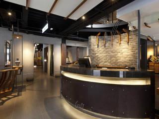 โดย Ho.space design 和薪室內裝修設計有限公司 เอเชียน