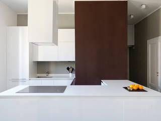 Un appartamento a Milano Cucina moderna di Barbara Patrizio DesignLab Moderno