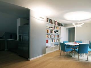 Un attico a Milano: Sala da pranzo in stile  di Barbara Patrizio DesignLab