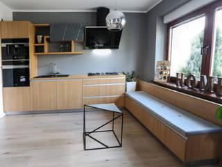 Nowoczesne drewno z aluminium od Art House Studio Nowoczesny