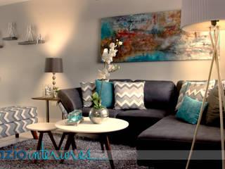 Diseño de interiores, casa muestra MANTER Salones modernos de spazio interiores Moderno