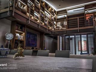 iluminación perfecta : Pasillos y recibidores de estilo  por Avant Group