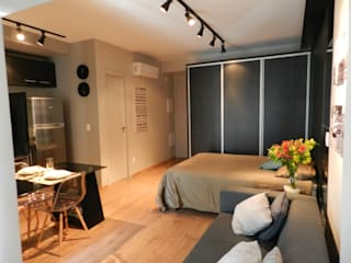 Camera da letto minimalista di ESC arquitetos associados Minimalista