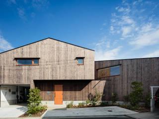 西側外観: 内海聡建築設計事務所が手掛けた一戸建て住宅です。