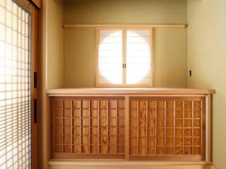 玄関: 株式会社かんくう建築デザインが手掛けた廊下 & 玄関です。
