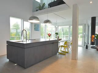 KITCHEN inside-out Moderne Küchen von Küchenwerkstatt Kemptner GmbH - Haus des Wohnens Amberg Modern