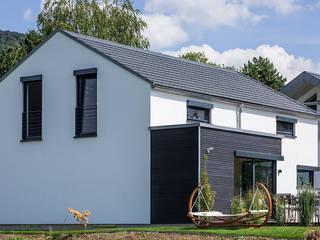 KitzlingerHaus GmbH & Co. KG Dom jednorodzinny Deski kompozytowe Biały