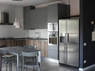 ALMA DESIGN Industrial style kitchen