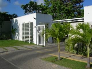 branco arquitetura Rumah Modern