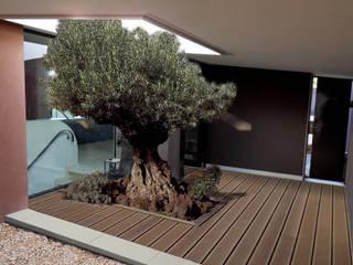 Construction d'une maison à Allauch Couloir, entrée, escaliers méditerranéens par Grégory Cugnet ARCHITECTE Méditerranéen