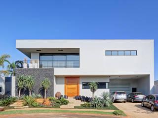 CASA MONTE ALEGRE: Casas  por DGL arquitetura,Moderno