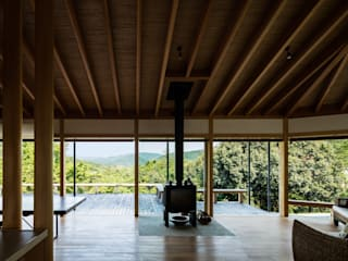 Modern living room by 神家昭雄建築研究室 Modern