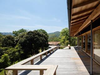 Terrace by 神家昭雄建築研究室,