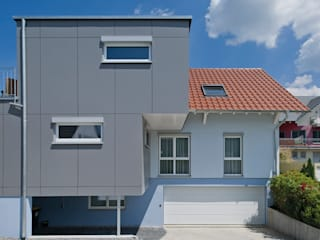 KitzlingerHaus GmbH & Co. KG Prefabricated home Engineered Wood Grey