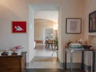 Officina29_ARCHITETTI 隨意取材風玄關、階梯與走廊 大理石