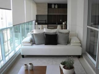 Apartamento residencial Varandas, alpendres e terraços ecléticos por SP Arquitetos Eclético