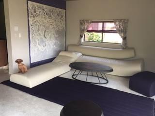 伊東別邸。特等席へようこそ モダンスタイルの寝室 の 株式会社ヴェルディッシモ モダン