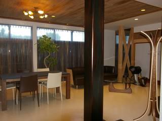 時空を超えて 繋がる リノベーション ~本格日本家屋の再生~ モダンデザインの リビング の 株式会社ヴェルディッシモ モダン