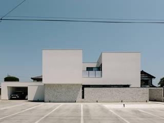 *studio LOOP 建築設計事務所 Casas de estilo moderno Blanco