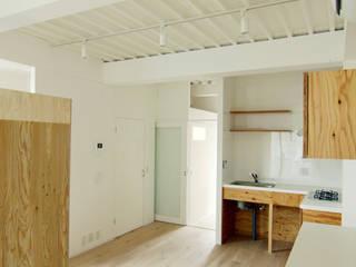 寺町の家 インダストリアルデザインの キッチン の 石井井上建築事務所 インダストリアル