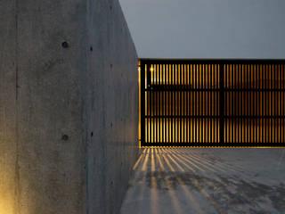 ガレージ: 小島光晴建築設計事務所が手掛けたガレージ車庫です。