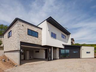 海善寺の家: 株式会社 哲・Braveデザイン工房が手掛けた家です。